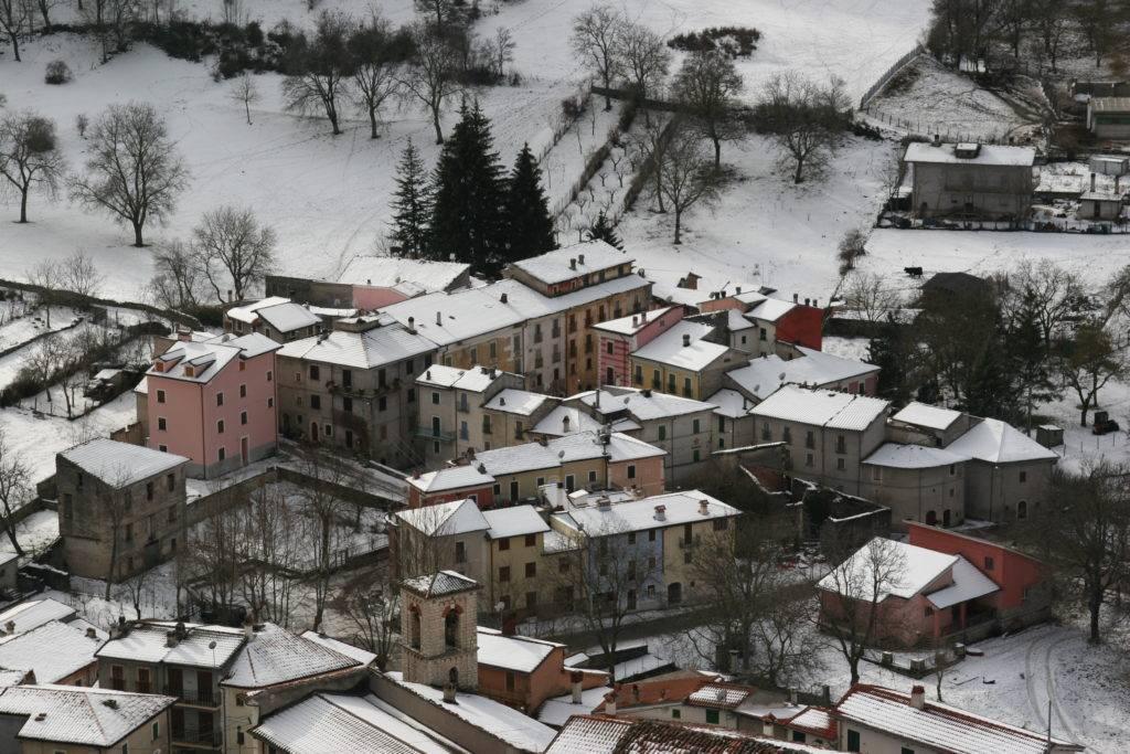 Panorama innevato di Vallemare by Angelo Provera